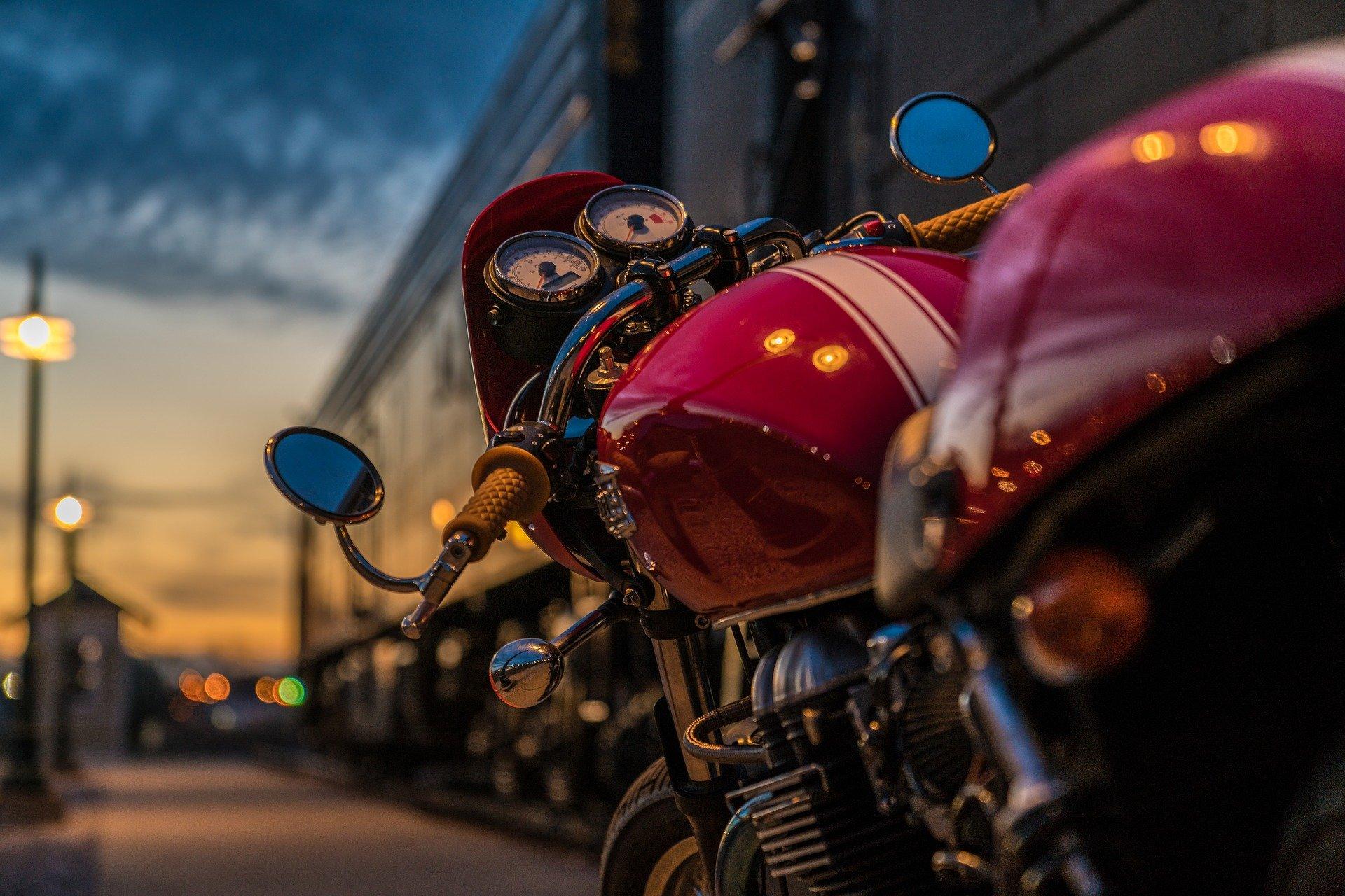 Cual es la empresa mas barata para el envio de motos